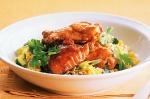 Alitas de Pollo BBQ con ciruelas y ensalada de arroz