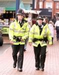 Hombre es arrestado por obstruir a la conversación de un agente de policía