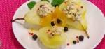 Recetas faciles de Peras Cocidas en Vino Blanco con Pistachos y Queso Crema Dulce