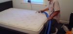 ¿Cuál es la mejor manera de limpiar un colchón?