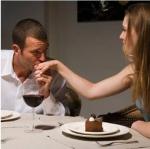 Importancia del contacto visual para conquistar una mujer