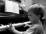 Aprender piano desde una edad temprana