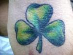 Como un amuleto el tatuaje de trébol celta