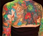 Alicia en el país de las maravillas trasmiten fantasía en su tatuaje