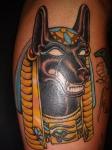 Los tatuajes egipcios de anubis.