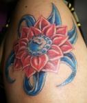 Una flor de loto, estilo de un tatuaje