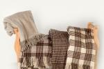 Artesanía en lana. Las Mantas, ponchos y bufandas de Grazalema