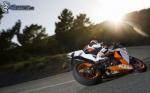 ¿Usar o no usar protector solar cuando se viaja en moto en verano?