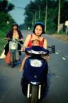¿Cómo viajar con niños en la moto?