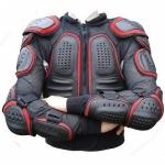 ¿Cual es la vestimenta adecuada de un motociclista?