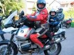 ¿Cómo llevar a un niño con la moto?