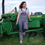 Planas estrena su nueva línea de vestuario laboral para mujer