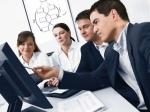 ¿Cuáles son los beneficios de la subcontratación y cómo mitigar los posibles riesgos?