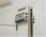 Consejos de un Cerrajero antes de comprar una Cerradura Electrónica Invisible